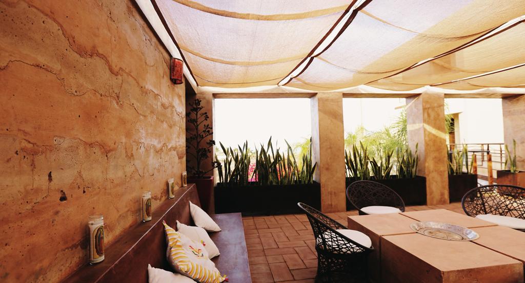 3muros-rammed-earth-Todos-Santos-Baja-a10studio-terraza-interior-04
