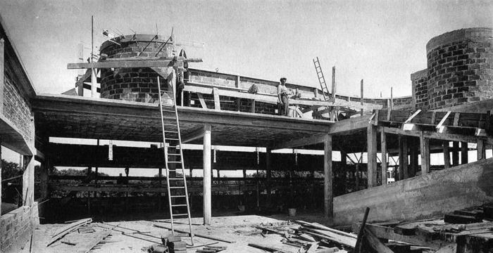 _Le-Corbusier-Villa-Savoye-01-a10studio-architecture