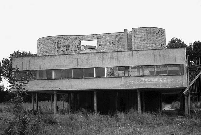 _Le-Corbusier-Ville-Savoye-02-a10studio-architecture