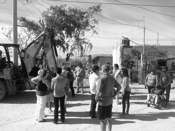 casa-O-Cabo-San-Lucas-a10studio-Hurricane-Odile-crowd-02